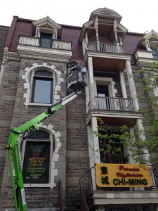 painting with a lift - Cornices Painting Beaconsfield Montreal